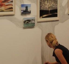 La fotografía, de Michel Robert, se realizó durante el montaje de la exposición.